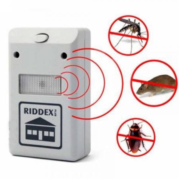 Aparat cu ultrasunete Riddex Pest Repeller